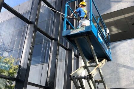 Window Cleaning scissor lift